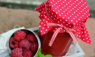 Простое варенье из малины пятиминутка на зиму - рецепт с пошаговыми фото