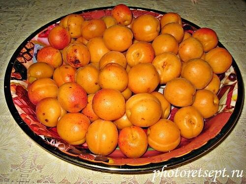 Компот из абрикосов, вишни и яблок на зиму - пошаговый рецепт с фото