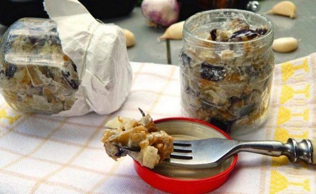 Баклажаны с чесноком и зеленью на зиму - простой пошаговый рецепт