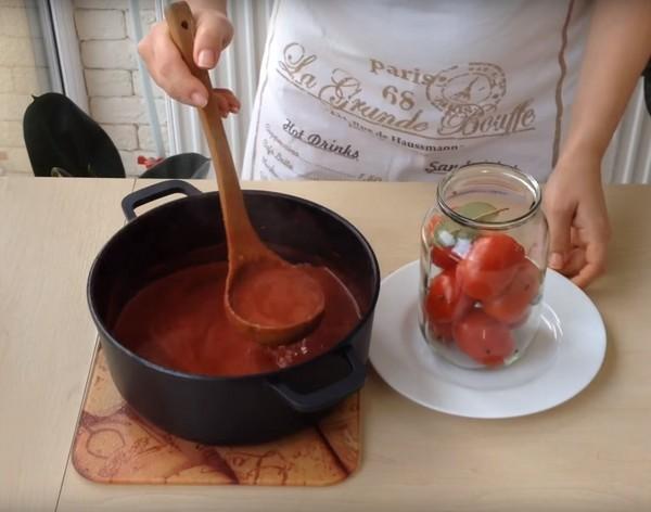 Помидоры в собственном соку на зиму без стерилизации - рецепт с пошаговыми фото