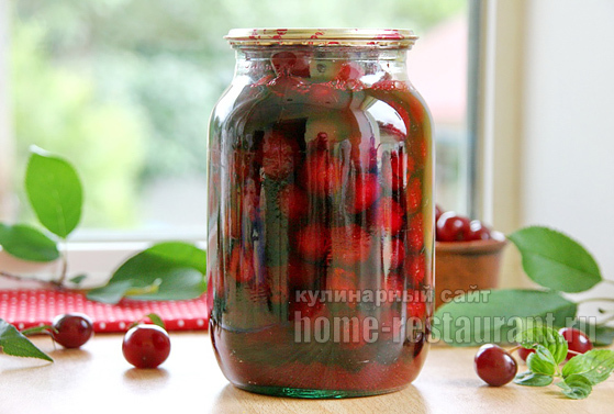 Вишня в собственном соку без сахара с косточкой на зиму - рецепт с пошаговыми фото