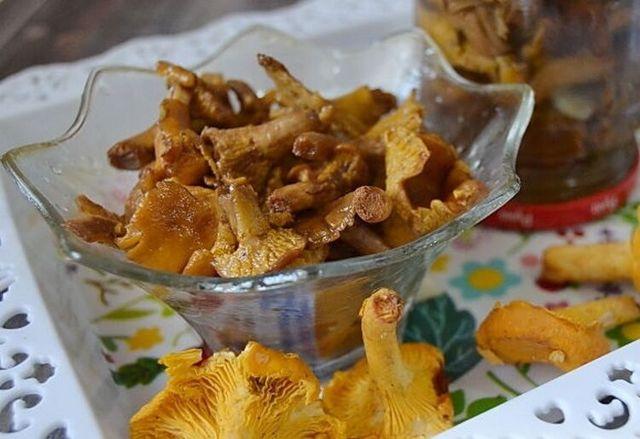 Маринованные лисички на зиму - рецепт с пошаговыми фото