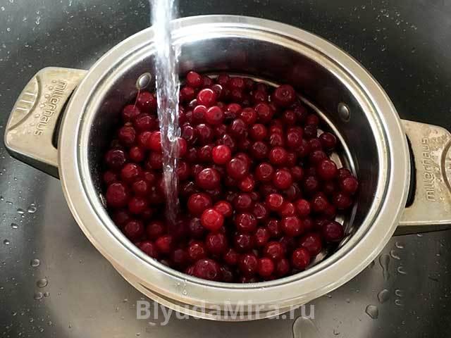 Варенье из вишни с целыми ягодами на зиму - самые простые рецепты
