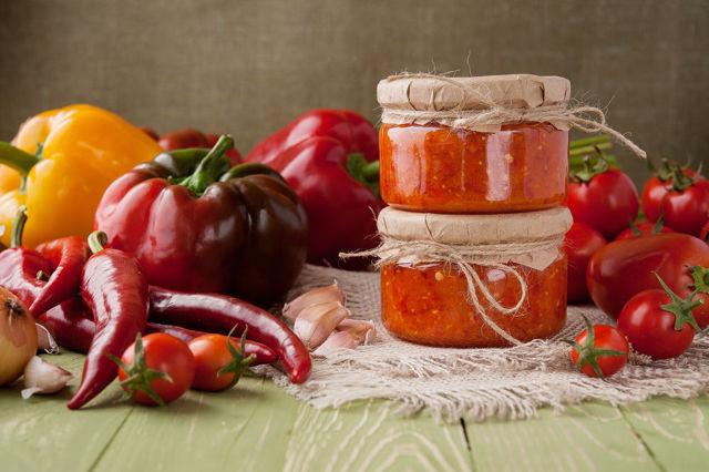 Аджика сырая без уксуса на зиму - рецепт с пошаговыми фото