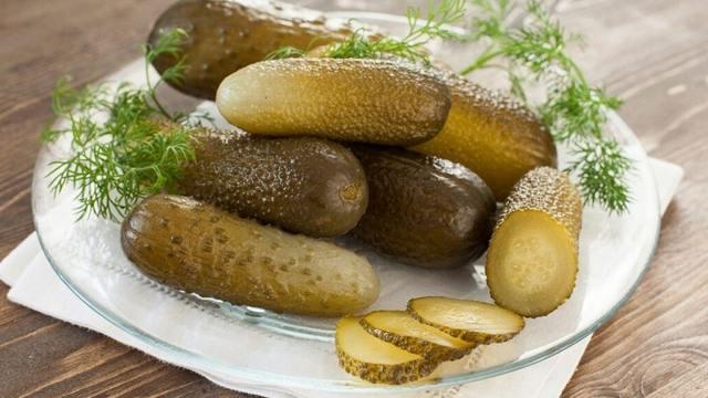 Огурцы как бочковые холодным способом на зиму - рецепт с пошаговыми фото