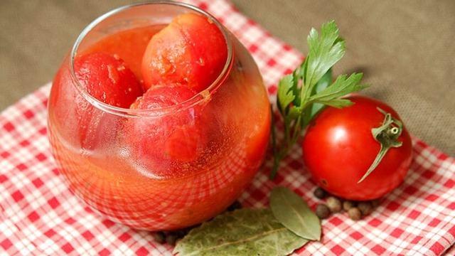 Томатный сок без уксуса на зиму - 16 рецептов в домашних условиях с фото