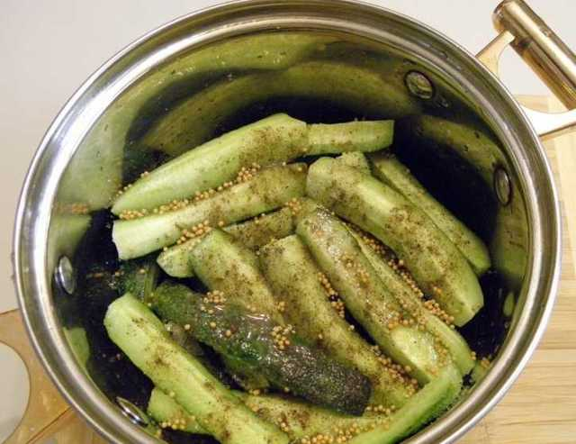Огурцы в собственном соку на зиму - рецепт приготовления с пошаговыми фото