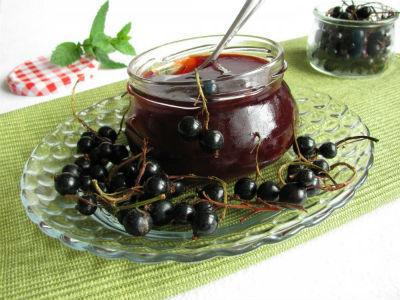 Густое желе из черной смородины пятиминутка на зиму - простой пошаговый рецепт