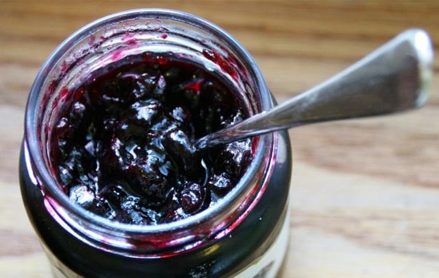 Джем из жимолости на зиму 3 вкусных рецепта