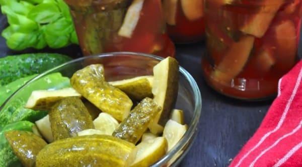Огурцы с кетчупом чили Махеев в литровых банках на зиму - пошаговый рецепт с фото