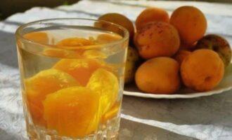 Компот из абрикосов на зиму без стерилизации 3 пошаговых рецепта