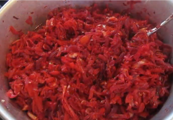 Борщ с капустой и свеклой на зиму - рецепт приготовления с пошаговыми фото