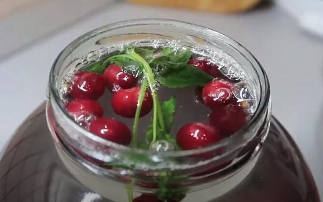 Компот из черники с вишней на зиму - рецепт с пошаговыми фото