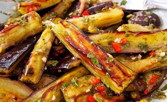 Баклажаны на зиму с болгарским перцем и чесноком - простой пошаговый рецепт