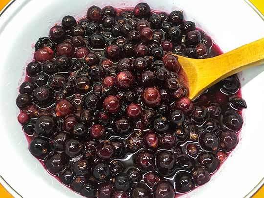 Густое варенье из черной смородины с целыми ягодами на зиму - рецепт с пошаговыми фото